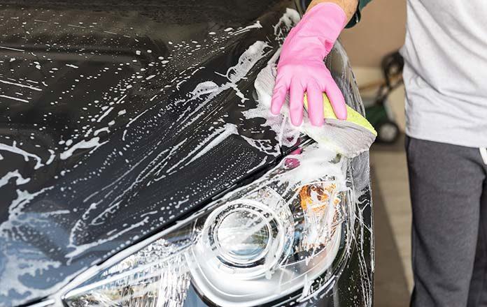 Dlaczego gąbki do mycia i polerowania samochodu są tak praktyczne?