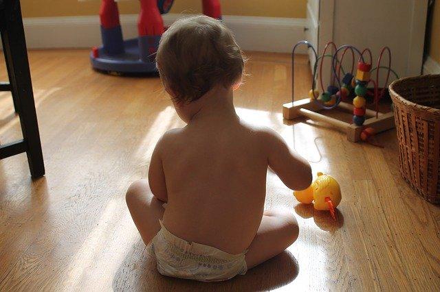jaką zabawkę wybrać dla niemowlaka?