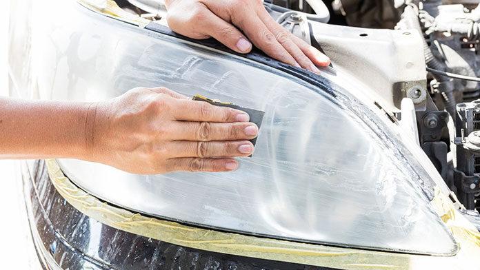 Czyszczenie lamp samochodowych